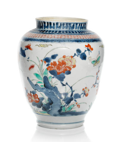 A Kakiemon jar Late 17th century