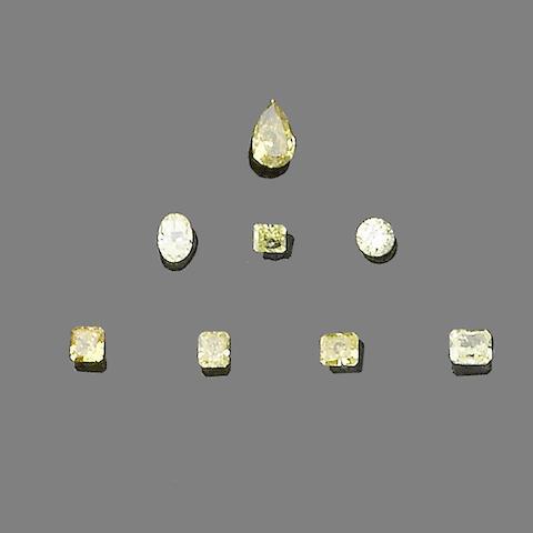 Eight unmounted diamonds (8)