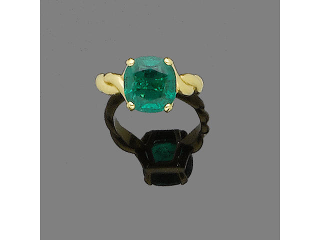 An emerald ring