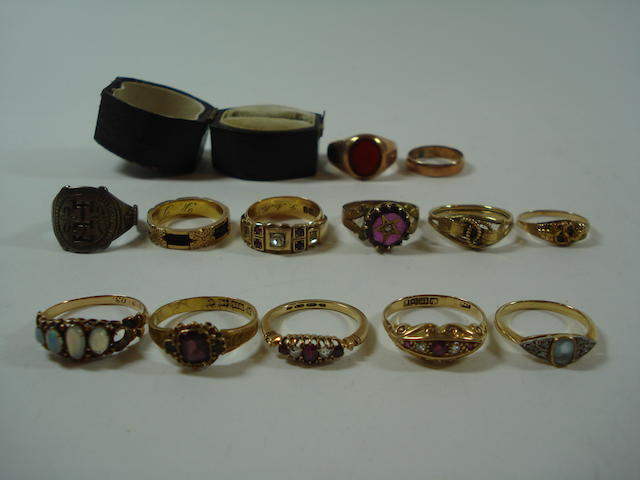 A collection of thirteen various rings