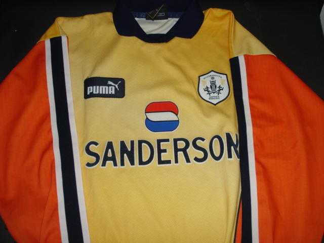 Sheffield Wednesday goalkeepers jersey