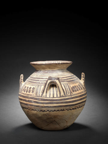 A Daunian storage jar