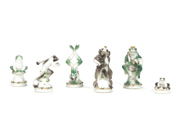 "A Meissen porcelain ""frosche"" frog chess set, designed by Alexander Struck (1902-1990), 20th century,"