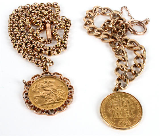 A George V Half-Sovereign pendant (2)