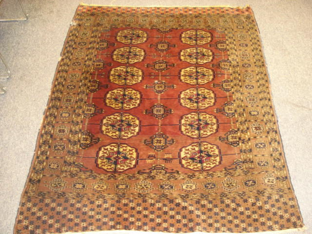 A Turkoman Tekke rug 141cm x 111cm