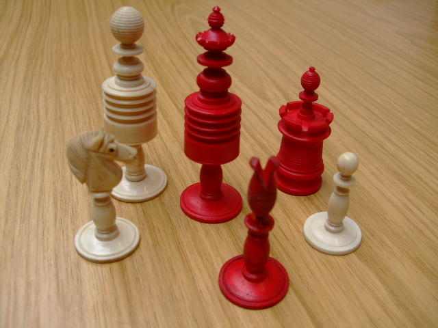 "A ""Barleycorn Pattern"" bone chess set"