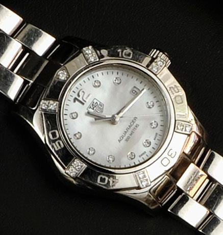 Tag Heuer: a lady's stainless steel Aquaracer wristwatchcirca 2007