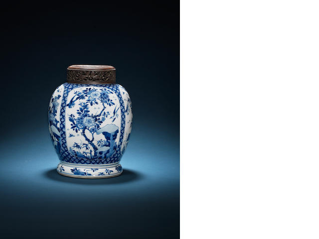 A blue and white globular jar Kangxi