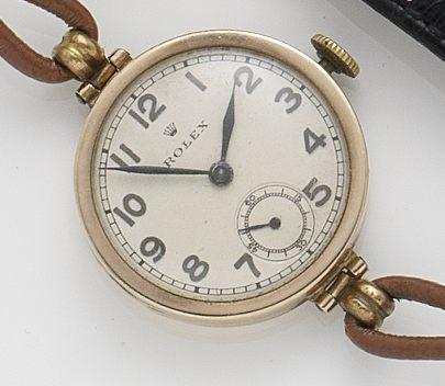 Rolex. A 9ct gold manual wind wristwatch Glasgow Hallmark, Case No.28821, Circa 1926