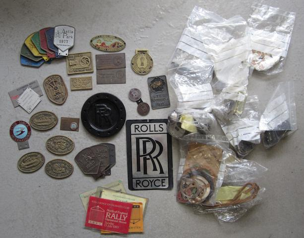 Assorted motoring badges/plaques and other items,