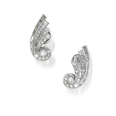 A diamond dress ring, by Drayson and a pair of diamond earrings, (2)