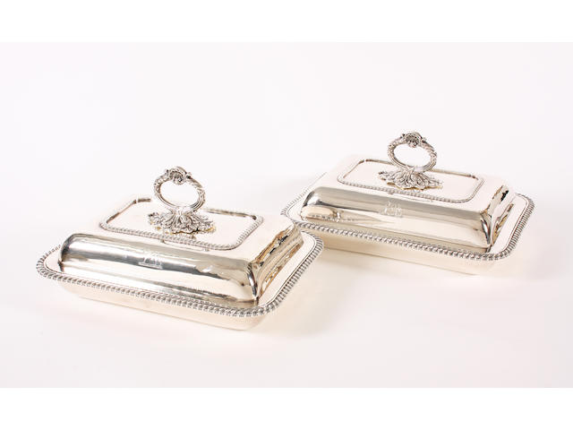 A pair of George III silver entree dishes and covers By Rebecca Emes & Edward Barnard I, London, 1824,  (2)