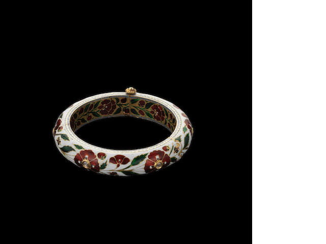 A Mughal style?? diamond-set enamelled gold Bangle Jaipur, 19th Century ???