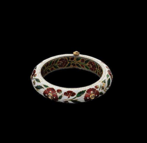 A Mughal style?? diamond-set enamelled gold Bangle Jaipur, 19th Century ???