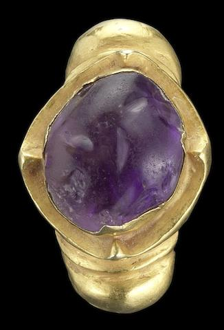 A Javanese amethyst-set gold Ring