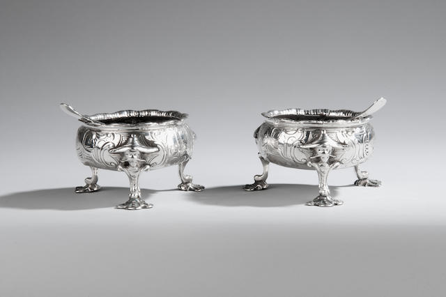 A pair of George II silver cauldron salts by David Hennell London 1759