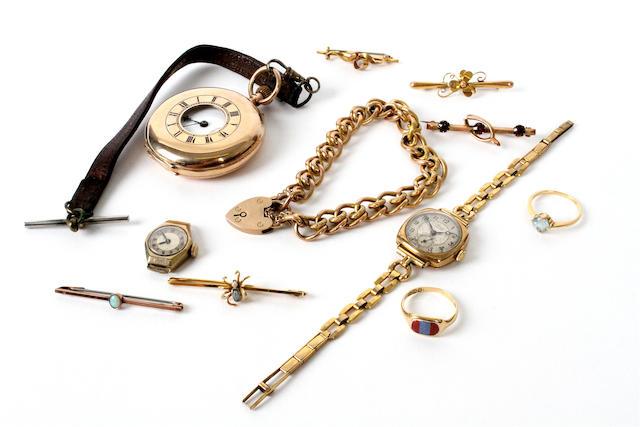 A 9 carat gold half hunter pocket watch (11)