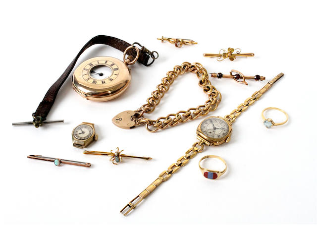A 9 carat gold half hunter pocket watch (11)