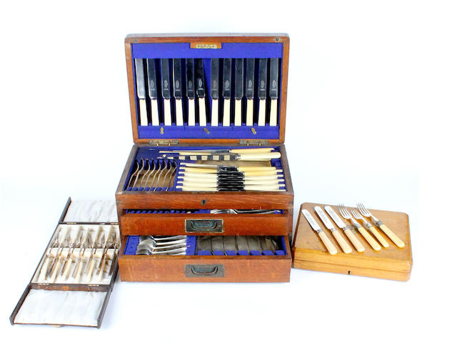 An oak cased canteen of elctroplate cutlery Circa 1920,  (3)