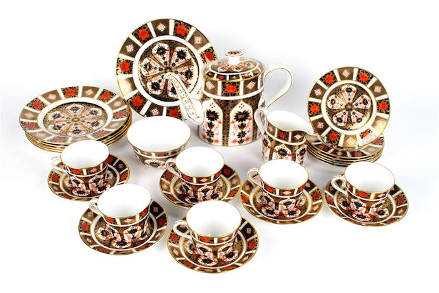 A Royal Crown Derby Imari porcelain tea service
