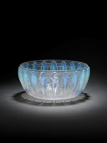 Lalique opalescent bird bowl