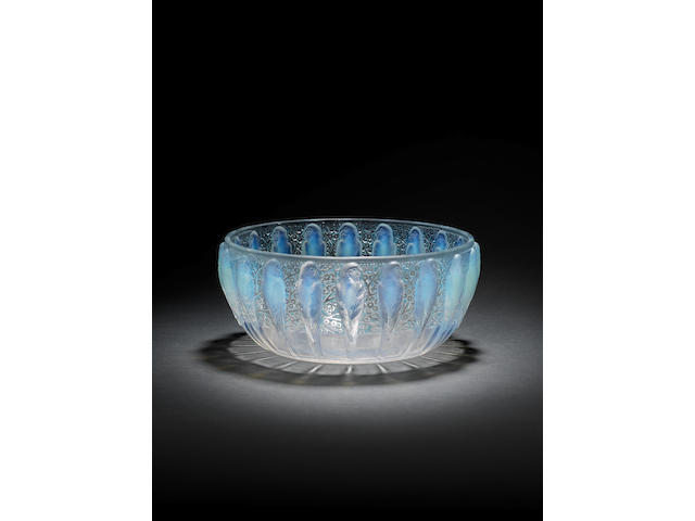 A René Lalique 'Perruches' design bowl Circa 1931
