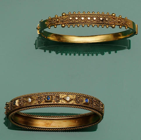 Two late Victorian/Edwardian gold hinged bangles