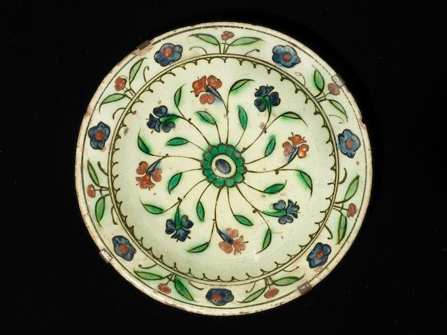 An Iznik pottery Dish Turkey, 17th Century
