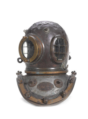 A 12 bolt Diver's Helmet, 18in (46cm)high.