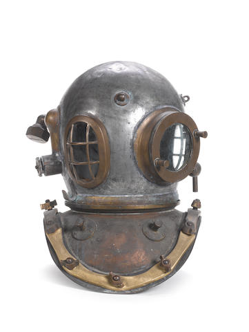 A 12 bolt Diving Helmet, 18in (46cm)high.