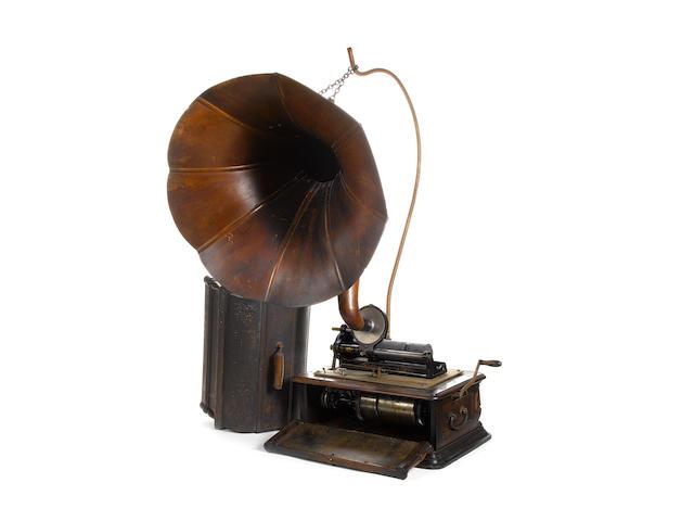 A Columbia type BC 'Premier' sound-magnifying Graphophone, circa 1907,