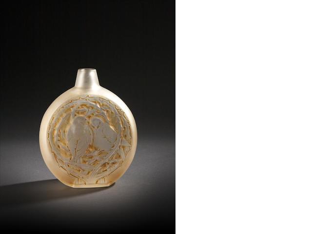 René Lalique 'Deux Moineaux Bavardant' a Vase, design 1920