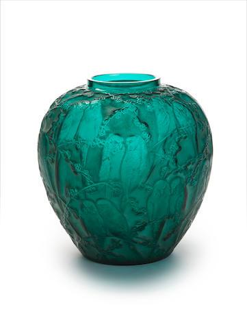 René Lalique 'Perruches' a Vase, design 1919