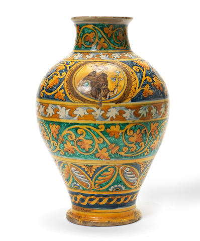 An early Maiolica vase