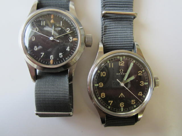 A lot of two military wristwatches