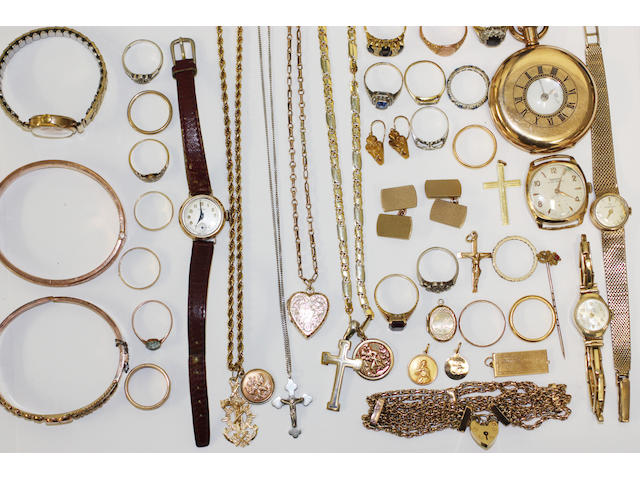 A quantity of jewellery and costume jewellery