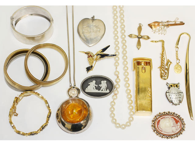 A collection of jewellery including a David Anderson owl brooch