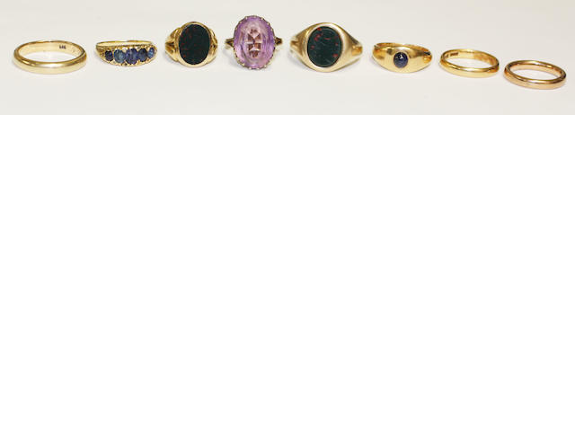 A collection of eight assorted rings