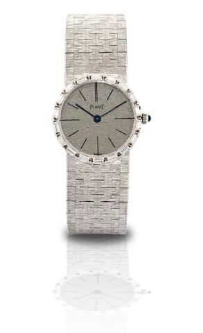 Piaget. A fine 18ct white gold and diamond set lady's manual wind bracelet watch Case No.115785, Circa 1970s