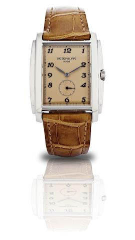 Patek Philippe. A fine 18ct white gold manual wind wristwatchRef:5124G, Case No. 4427977, Movement No.3688799, Sold in 2009