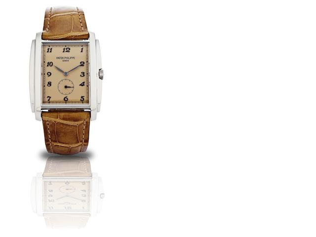 Patek Philippe. A fine 18ct white gold manual wind wristwatch Ref:5124G, Case No. 4427977, Movement No.3688799, Sold in 2009