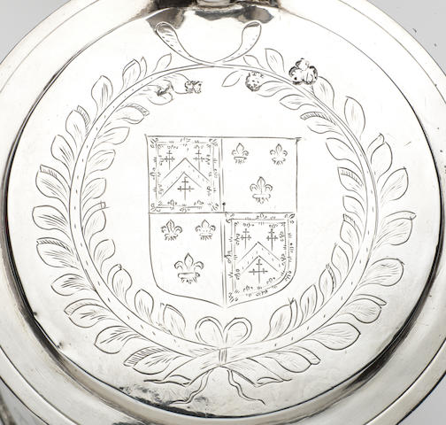 A Charles II silver tankard, maker's mark PP above a star, in a shaped trefoil punch, London 1663,