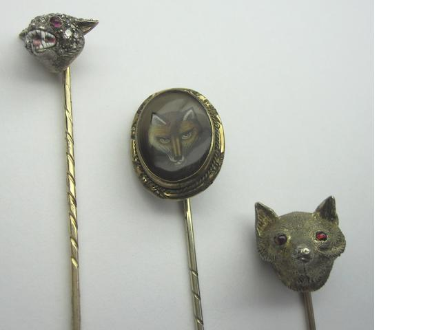Three hunting related stickpins (3)