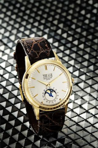 Patek Philippe. A very fine and rare 18ct gold perpetual calendar automatic wristwatchRef:3448, Case No.320336, Movement No.1114061, Circa 1965