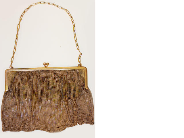 A 9ct gold mesh-link large purse