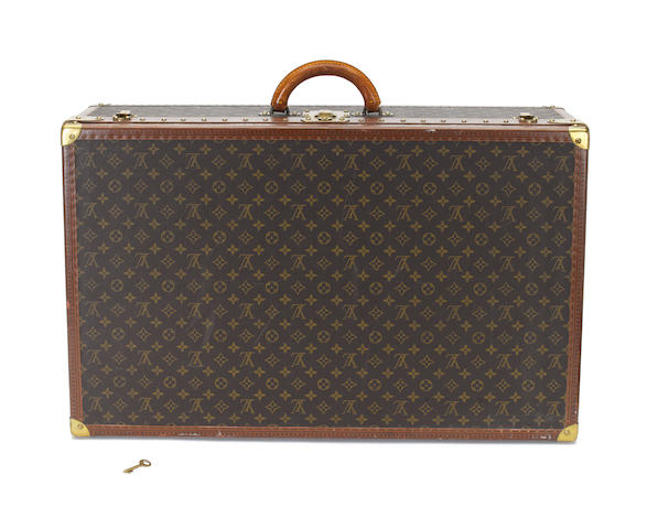 LOUIS VUITTON: A travelling case,