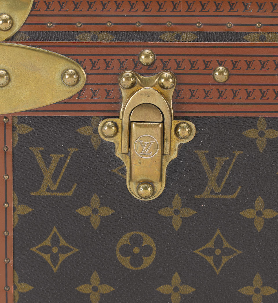 LOUIS VUITTON: A travelling case,