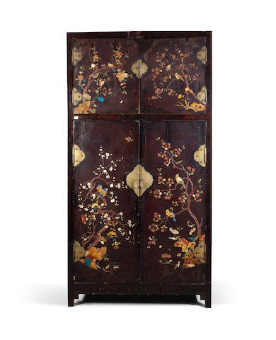 An embellished cabinet (minor crack and losses) Early Qing dynasty