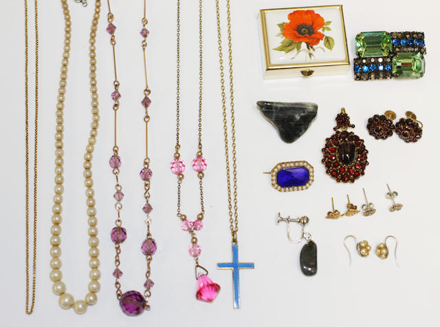 A small collection of jewellery including a oval rose-cut garnet cluster pendant