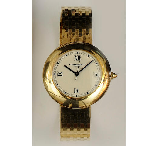 Chaumet: An 18ct gold automatic calendar bracelet wristwatch